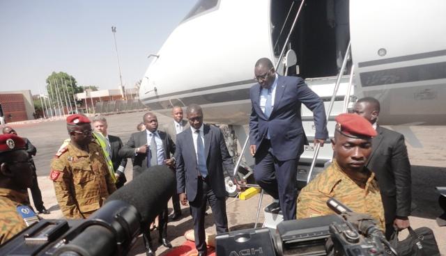 Le Président sénégalais a atterri à Ouagadougou ce mardi 11 novembre.