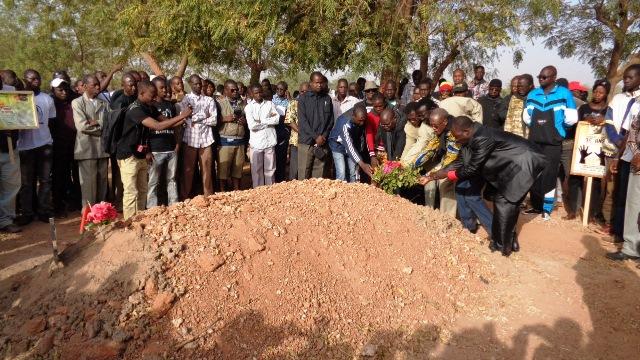 Les martyrs de l'insurrection ont également reçu un hommage