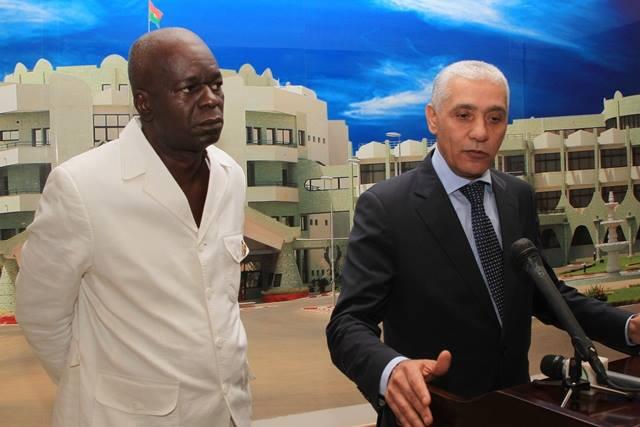 Alami  en compagnie du président du CNT à l'issue de l'audience (Copyright Dircom Présidence du Faso)