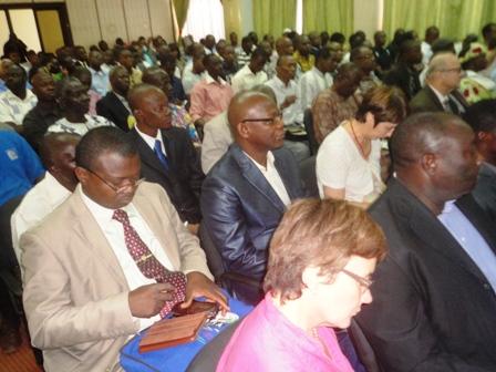 Plusieurs participants étaient présents lors du panel organisé par le REN-LAC.
