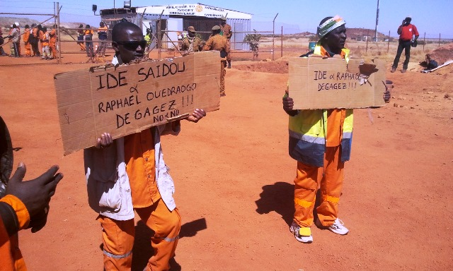 Les travailleurs réclament le départ de deux membres de la direction de la mine