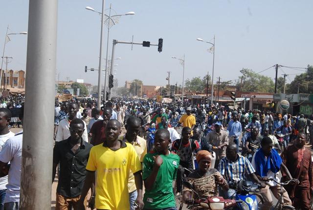 Les Burkinabè ont accompagné leurs martyrs à leur dernière demeure