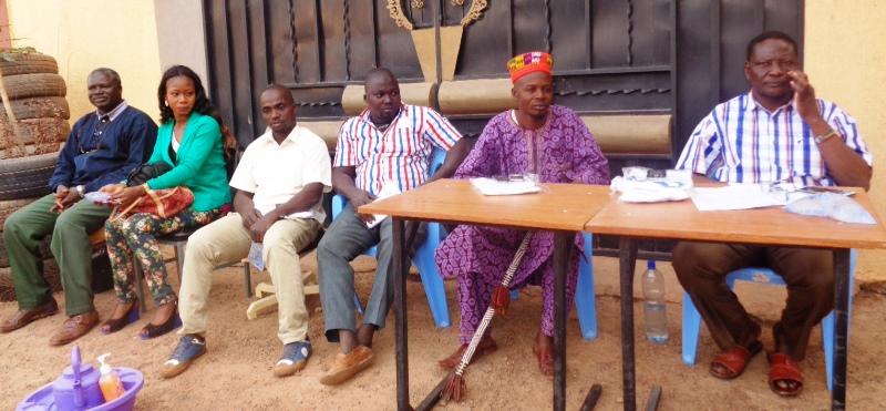Quelques membres de l'association SPHERE et des representants du SPONG