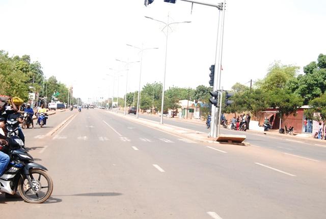 L'avenue du Kadiogo déserte aux environs de 10h ce 7 avril 2015