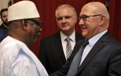 Dette malienne: La France annule 43 milliards de F CFA