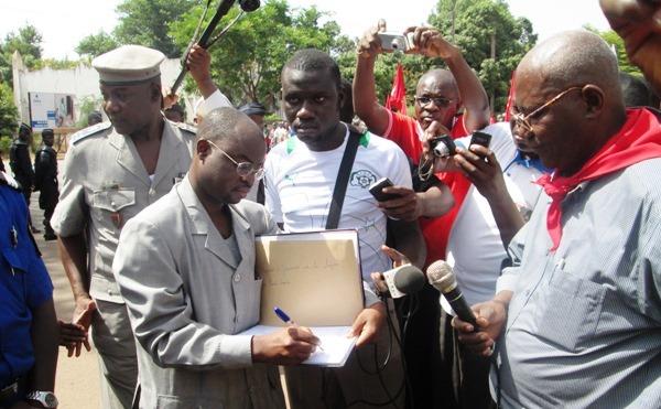Le SG du gouverneur, Bernard Beba, affirme de tramettre à qui de droit