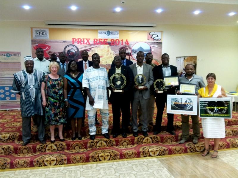 Photo des lauréats et des officiels, RSE 2014