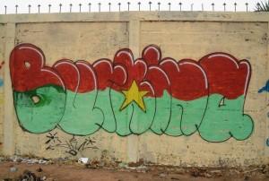 Les graffeurs prônent dans leurs graffitis la paix pour le Burkina