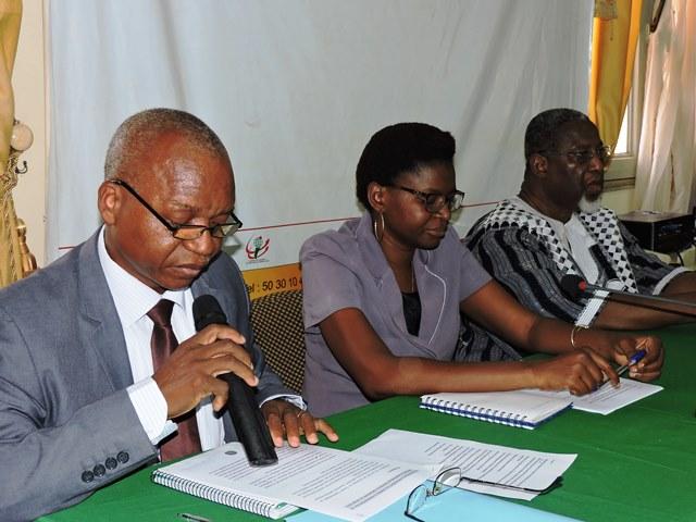 Yongo Nignan (g.) PCA du SPONG, a souhaité que les organisations de la société civile reviennent à leur rôle premier après la transition