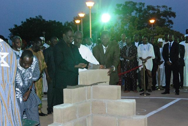 Pose de la première pierre de la Stèle en hommage aux martyrs