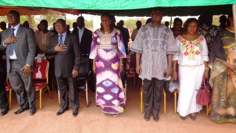 Plusieurs personnalités et représentants d'entreprises oeuvrant dans le domaine des TIC étaient présentes à Kaya.