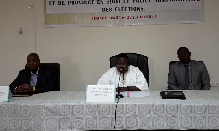 Kibsa Antoine OUEDRAOGO, SG de la région du Plateau Central (au milieu), prononçant le discours d'ouverture des travaux. ©B24
