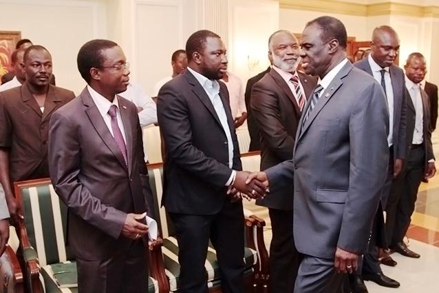 Le Président Kafando lors de sa rencontre avec les Burkinabè vivant en Guinée Equatoriale © Dircom Présidence du Faso