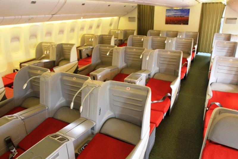 Aperçu des sièges « full flat bed 180° » (sièges-lits étendus à 180°).