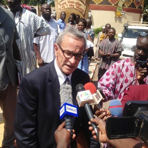 """Le Président de l'association """"Les Amis du Burkina Faso"""", Michael J. Lavoie."""