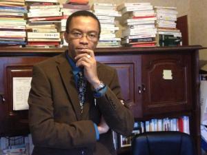 Le Camerounais Francklin Nyamsi, Professeur Agrégé de Philosophie à Paris en France.
