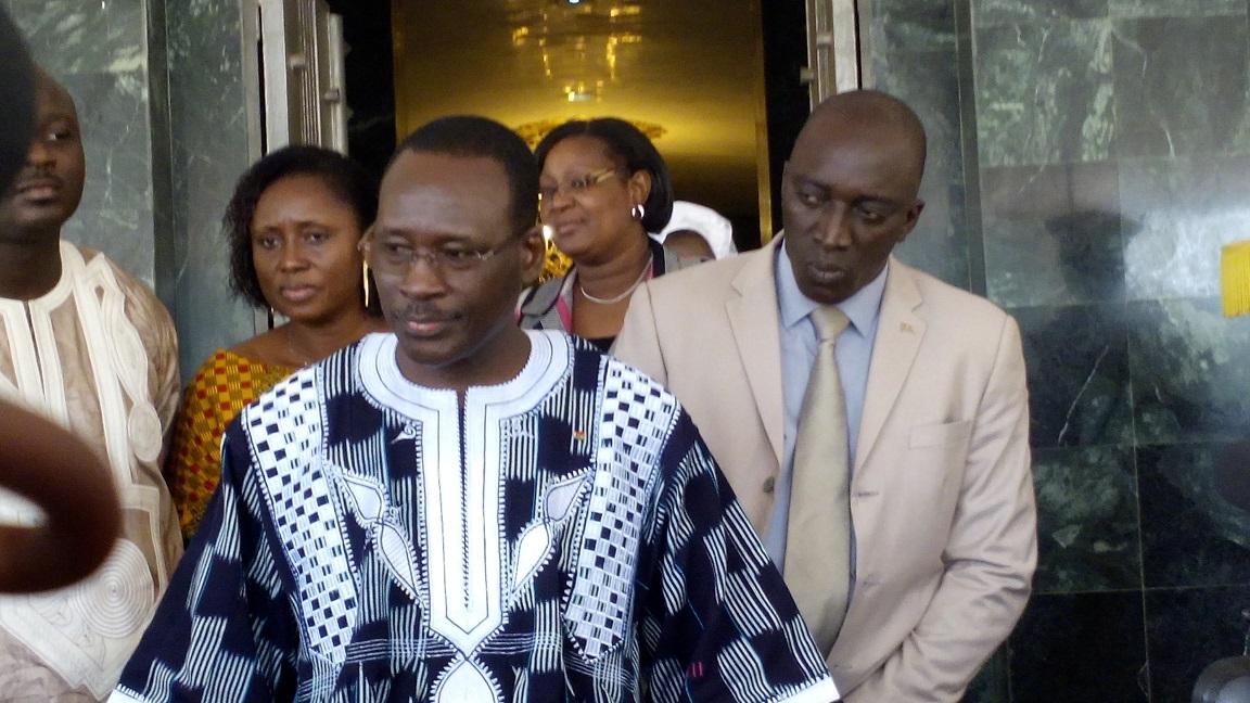 Le Premier ministre Isaac Zida à sa sortie du Conseil des ministres du 25 septembre 2015 © Burkina24