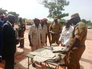 Une présentation du matériel offert à la compagnie logistique pour la prévention et la lutte contre le terrorisme au Burkina