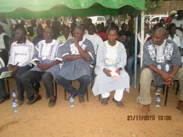 Avant de commencer le meeting les responsables du FFS ont observé une minute de silence en la mémoire de Miche Tiendrebéogo décédé il y a environ six mois de cela.