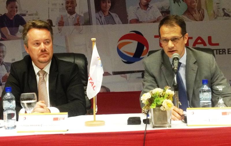 Pour le DG de Total Burkina Faso, Philippe Prudent (veste noire), le jury est composé de professionnels.