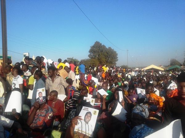 Les militants ont offert le maillot jaune à Diabré