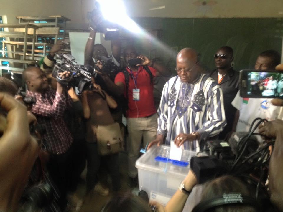 Roch Marc Christian Kaboré accomplissant son devoir citoyen