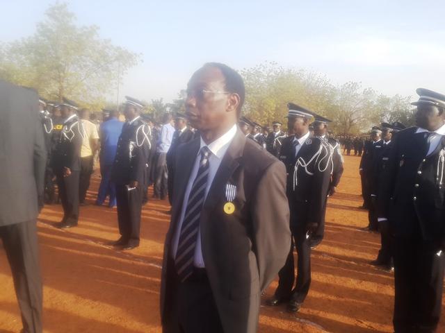 Auguste Denise Barry, ancien directeur de l'institution a été fait médaillé d'honneur de la Police Nationale.