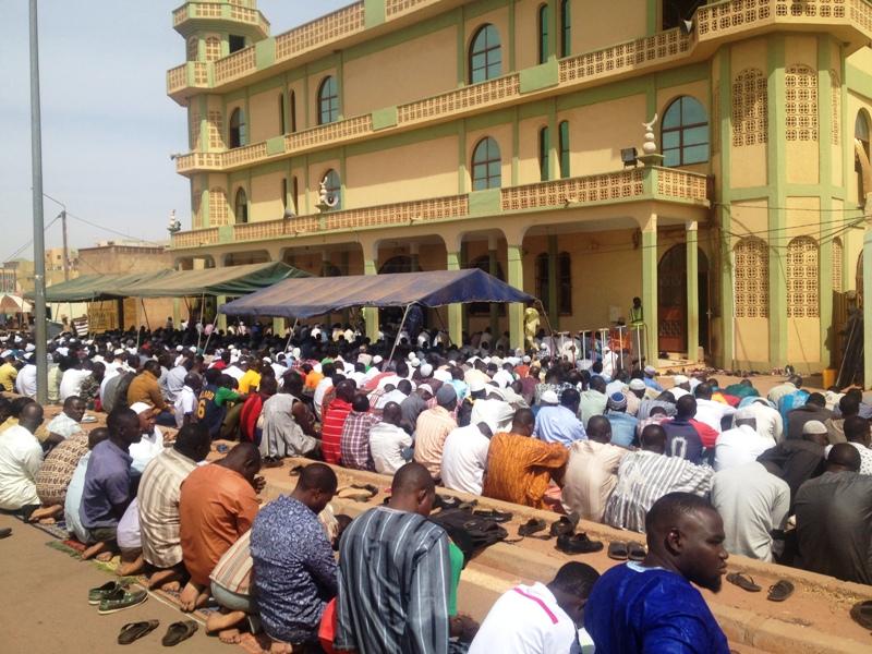 La prière du vendredi s'est bien passée à la grande mosquée sunnite de Ouagadougou située près de Splendid Hôtel.
