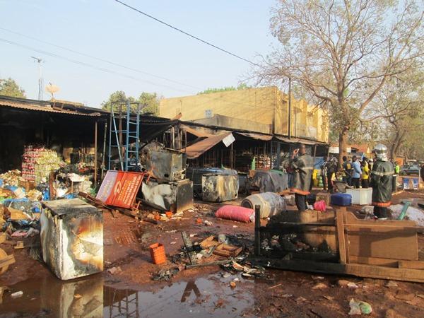 6 magasins sont partis en fumée à Bobo