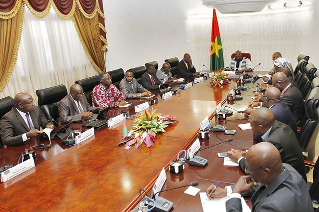 Les membres du gouvernement Thiéba I le 13 janvier 2016