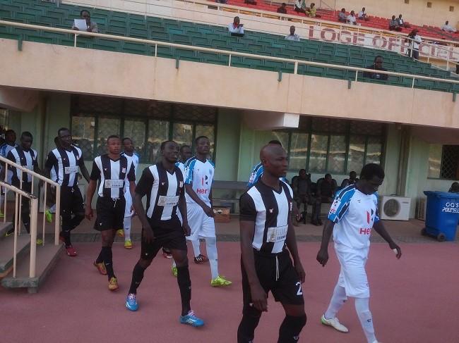 Le RCB en blanc et noir a pris trois à Ouagadougou face à l'EFO