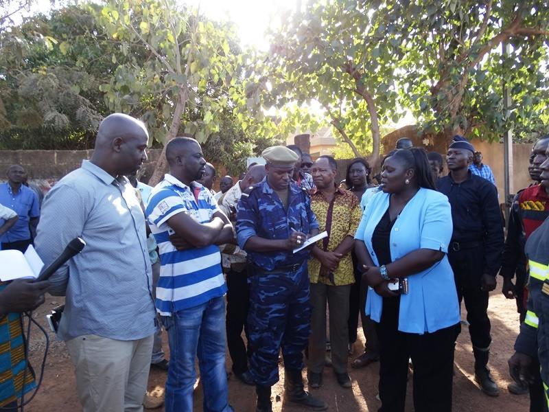 Le Procueur Sérémé (droite) était présente sur les lieux  © Burkina24
