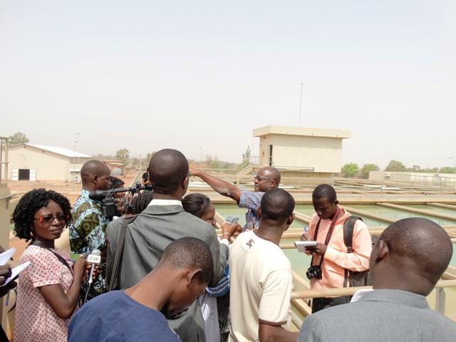 Une visite guidée du site du barrage a été organisée au profit des journalistes.