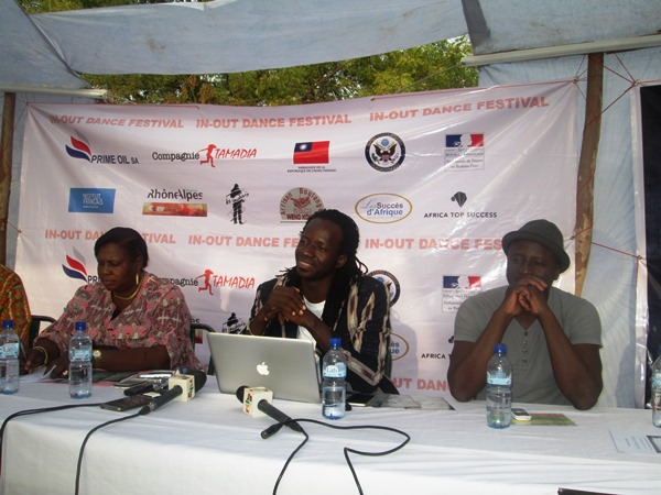 Le promoteur, Aguibou Sanou (au milieu)