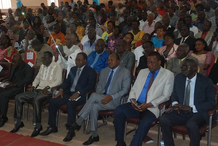 Des membres et anciens membres de gouvernement ont assisté à la cérémonie © Burkina24