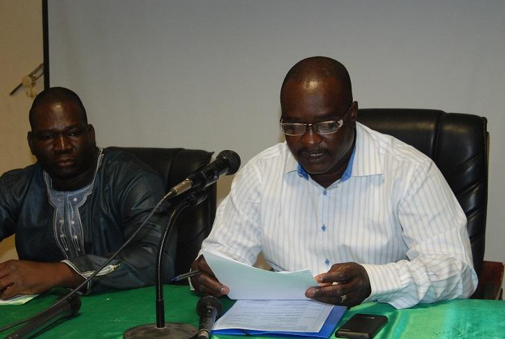 Le coordonnateur de l'OSD/JD Célestin Compaoré (à gauche) et le représentant de la Direction de la santé de la famille, Dr Zézouma Sanou © Burkina24