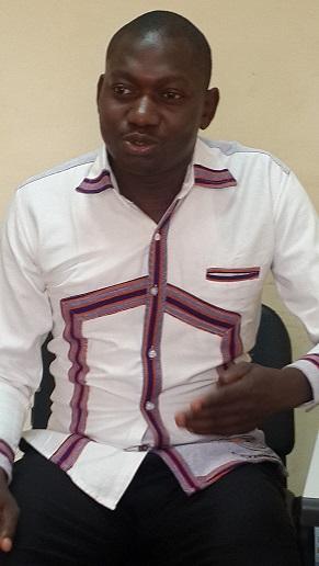 Pascal Tapsoba demande aux Burkinabè de porter le Faso Danfani tissé par les Burkinabè.
