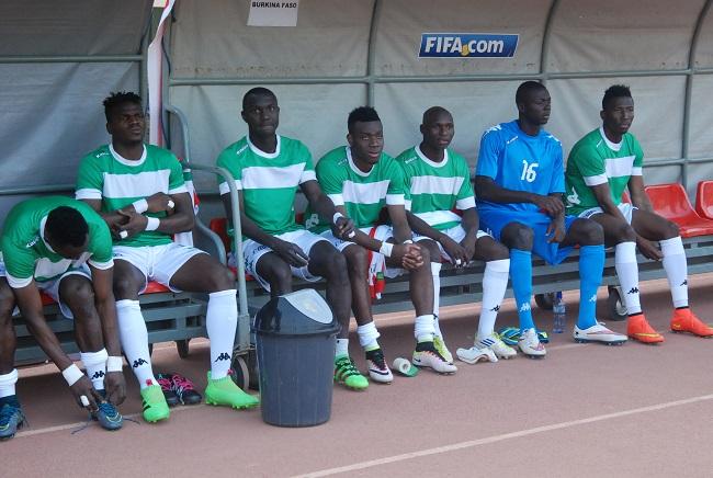Alain Traoré a début le match sur le banc de touche