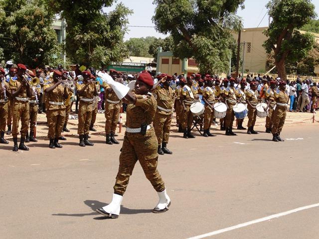 La commandante des troupes ce 8 mars 2016 © Burkina24