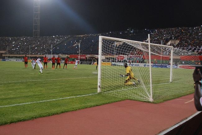 Ce penalty transformé par Jonathan Pitroipa a permis aux Etalons de revenir à la hauteur de l'Ouganda avec six points