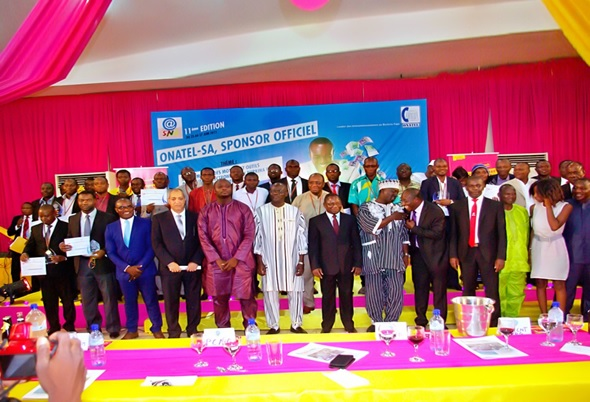La photo de famille des lauréats de la onzième édition de la semaine nationale des TICs
