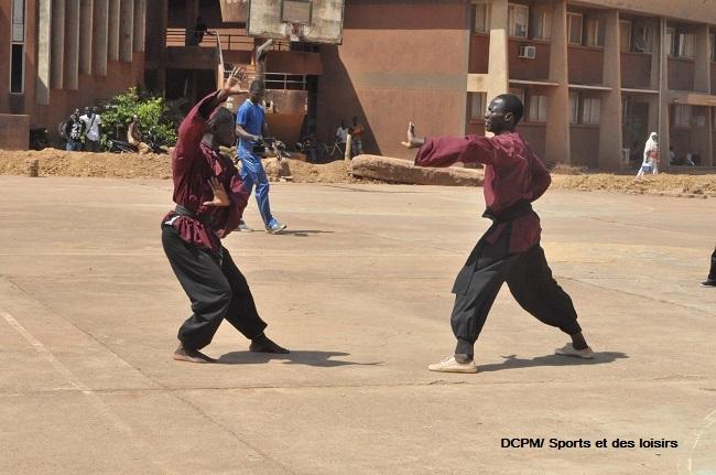 Démonstration de kung fu sur le plateau Jean-Baptiste Bassinga