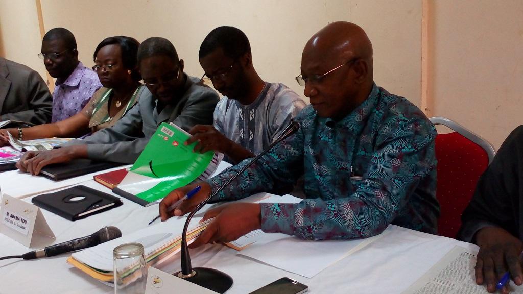 François de Salle Ouédraogo (à droite) et ses collaborateurs lors de la conférence de presse  © Burkina24