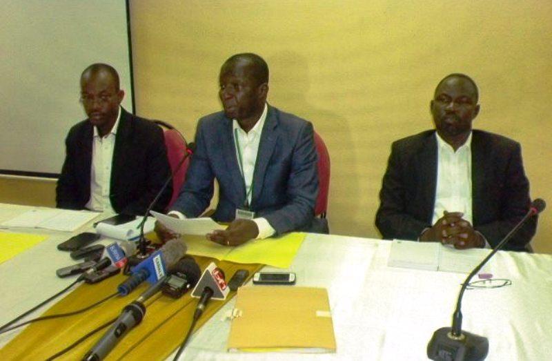 Le DG de la SOTRACO, Pascal Tenkodogo (Au milieu)