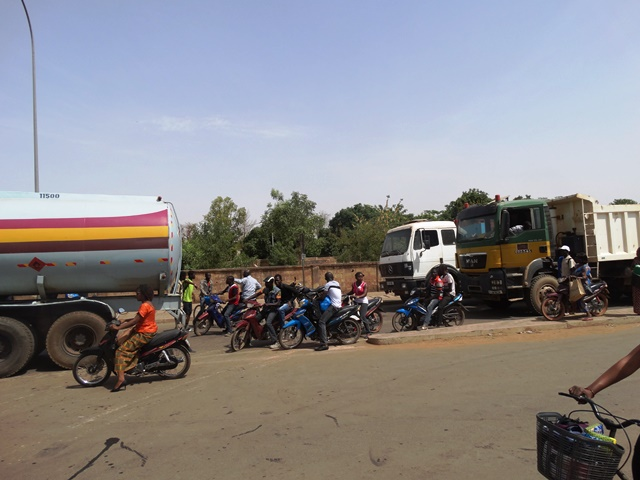 Des usagers de la route coincés sans pour avoir continuer leur route ou rebrousser chemin.