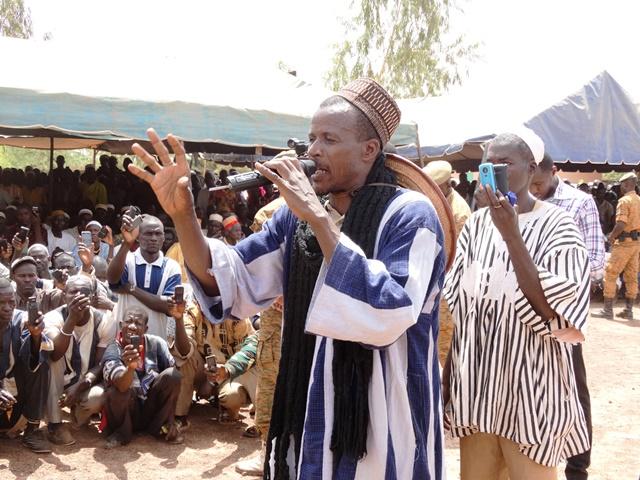 Le chef des Koglwéogo de Boulsa a expliqué au ministre de la sécurité le bien fondé de leurs actions et pourquoi il leur faut agir ainsi pour dissuader les voleurs