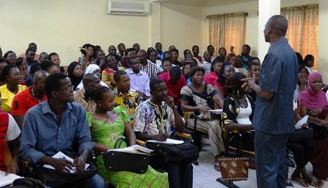 Les participant(e)s ont posés des questions pour mieux comprendre comment et que faire quand on recherche un emploi.