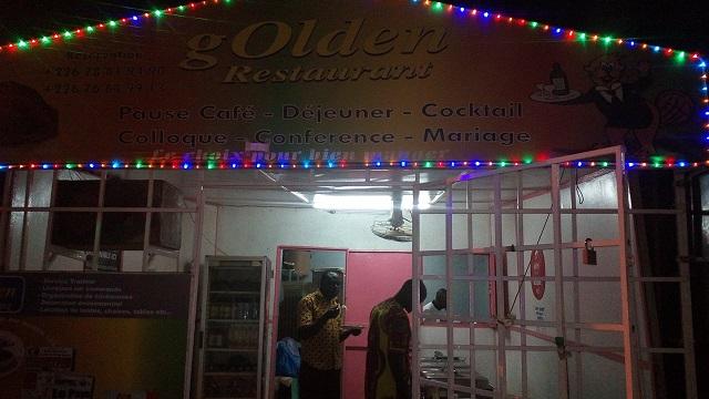 "Le ""Golden restaurant"""