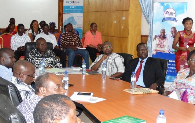 Bénéficiaires et donateurs ont suivi la présentation du Programme Justice économique et sociale (PJES)