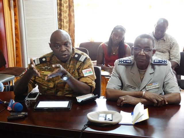 Le Colonel Serge Alain Ouédraogo de la gendarmerie et le Commissaire Ousmane Sawadogo de la police nationale. © Burkina24